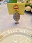 Egg placecard holder with egg name card